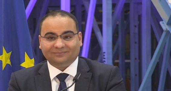 'Wasal iż-żmien għall-kwoti tal-ħaddiema barranin? – Il-Ministru tal-Finanzi Clyde Caruana
